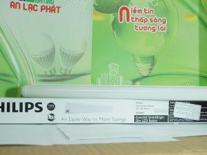 hình ảnh thực tế máng đèn tuýp led BN068C Philips